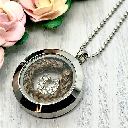 Keepsake Locket Pendant 25mm with a Horse Hair Braid