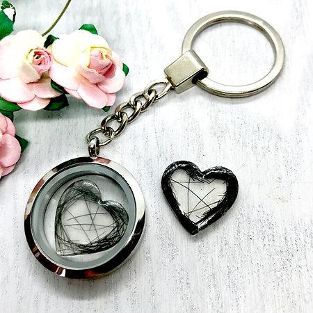 Keepsake Locket 30mm Key-ring with Resin Hearts