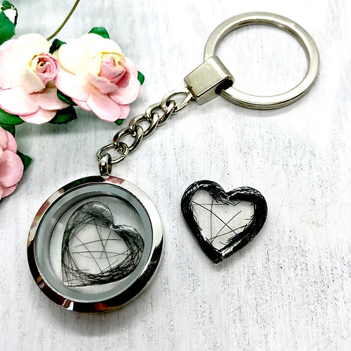 Keepsake Locket 30mm Key-ring with Resin Hearts