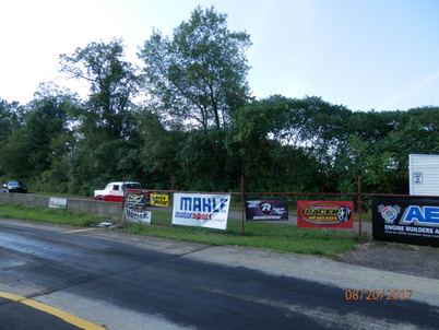 MAHLE Banners on Display at Tracks Across the Country!