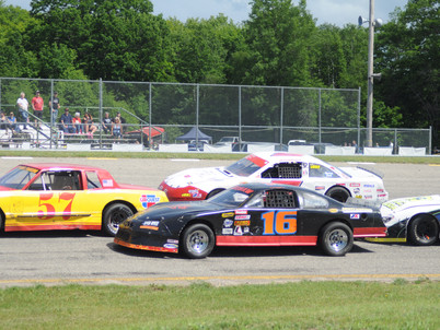 Kinross offers same great racing, and extends $5 admission deal