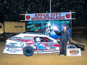 Moore Posts Win at Jackson County Speedway