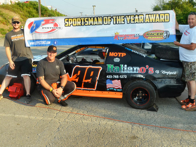 JE Pistons Sportsman of the Year at Kingsport Speedway Bucky Smith