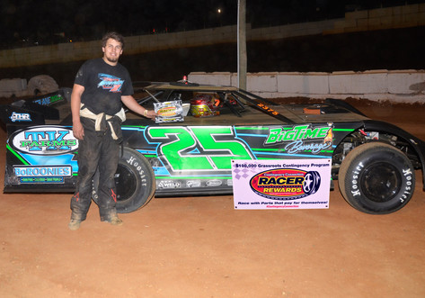 Volunteer Speedway Racer Rewards Winner Addison Cardwell