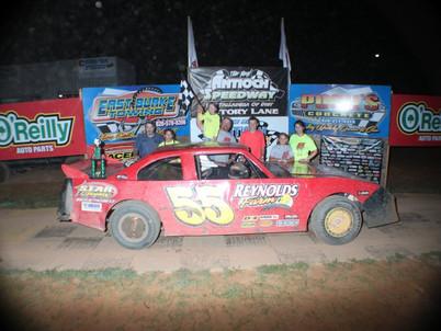 Surniak wins special sprint car race at Antioch Speedway