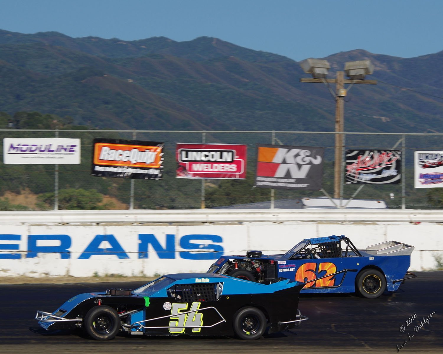 Pro 4 Modifieds 54 Neo Nuno and 62 Jim Sturges
