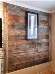 Mur décoratif en bois de grange