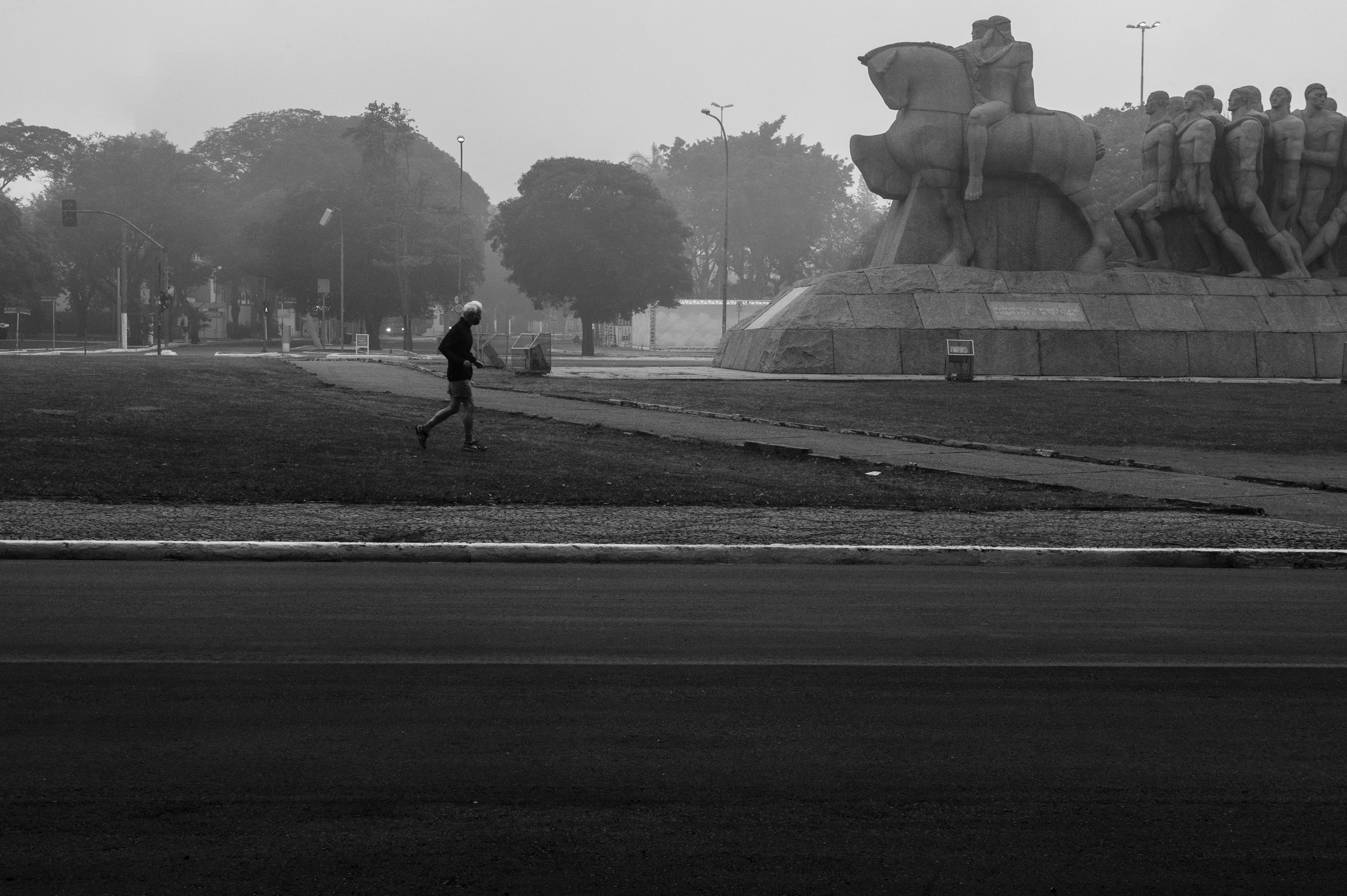 15_Praça_Pedro_Alvares_cabral,_dia_17_