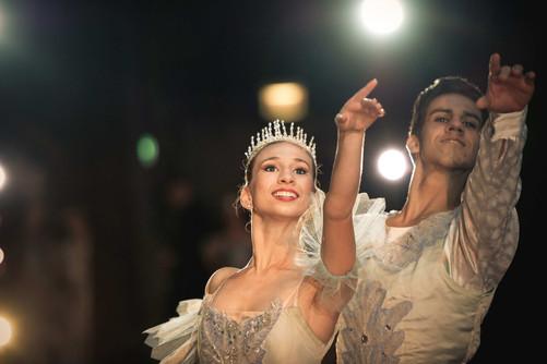 Cuba-Ballerina-GRID.JPG
