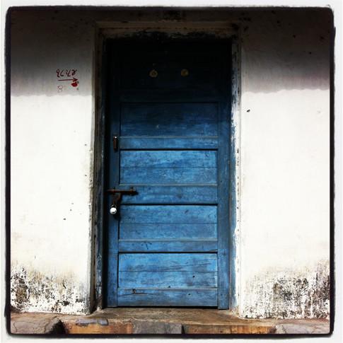 India blue door.JPG
