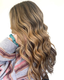 CARAMEL LATTE _Her hair stays long and h