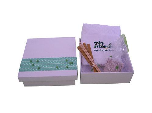 Kit Manicure em Caixa de Madeira Decorada