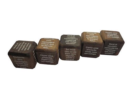 Dado de Madeira com Frases