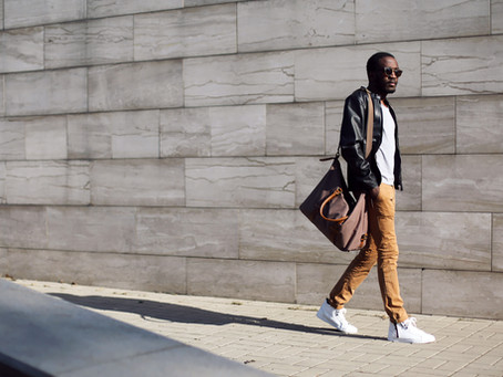 撮影で肩の高さの違いを指摘されることが増え、姿勢を根本的に変えたい (40歳男性・モデル)