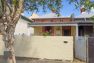 209 Brisbane St