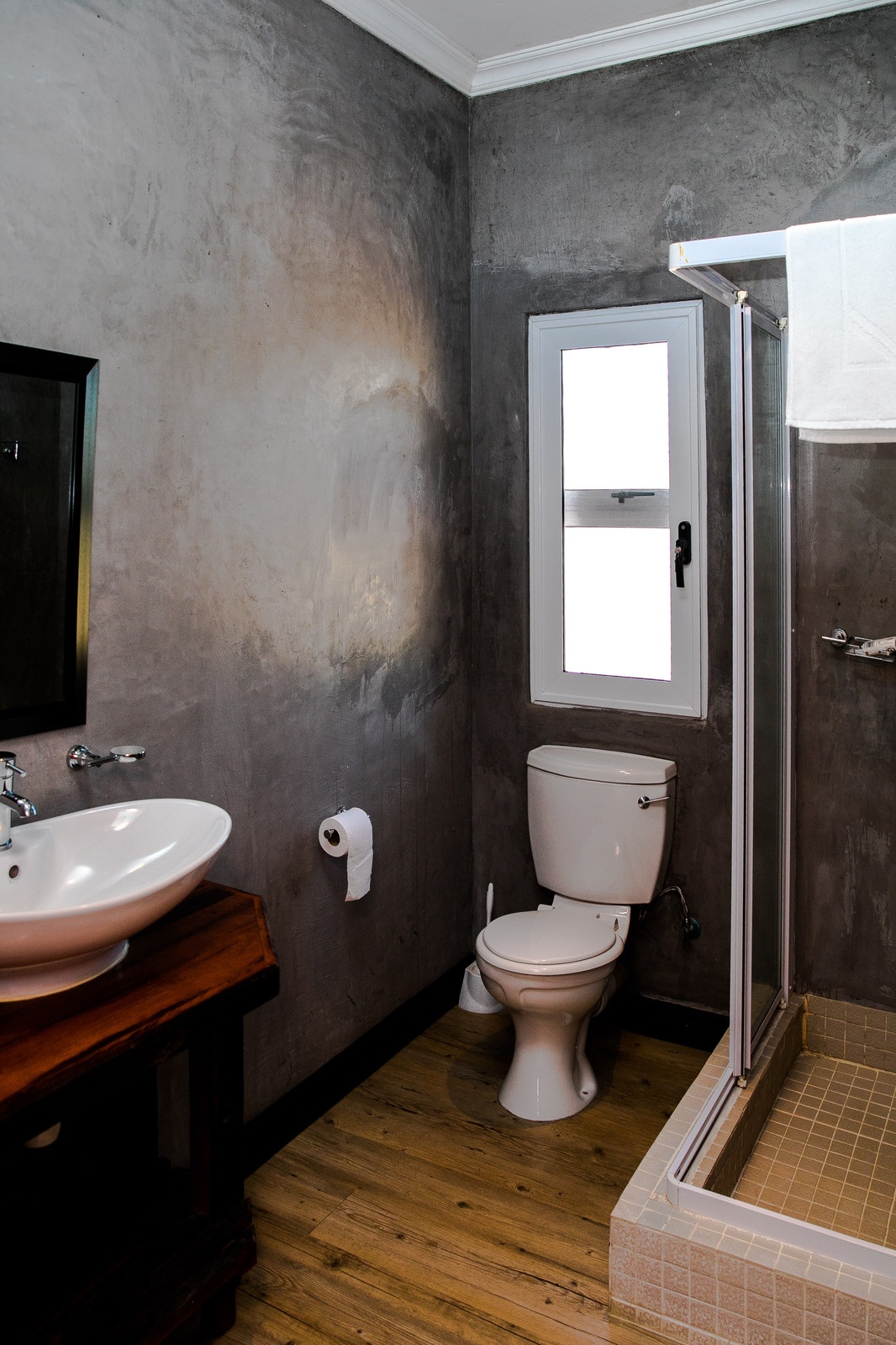 orchard cottage main en suite bathroom - En Suite Bathroom