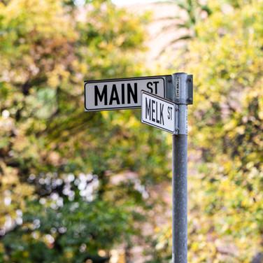 Find us on the corner of Main and Melk Str.