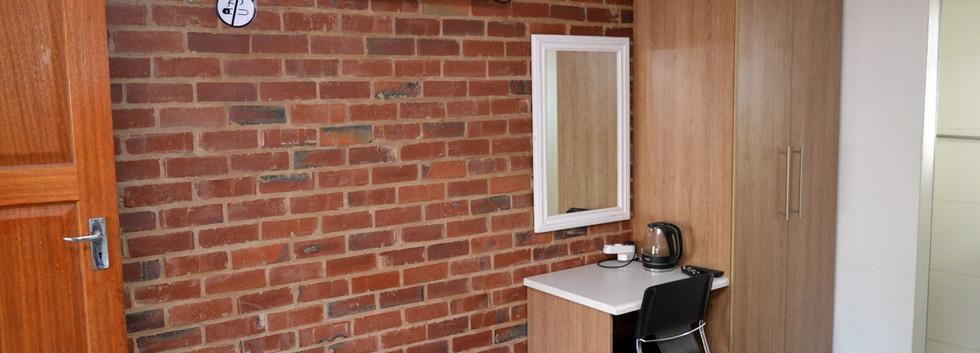 Single-Executive-Rooms-(1).jpg