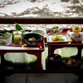 What is Koyasan's vegetarian cuisine 精進料理?