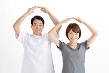 常に機能訓練指導員として柔道整復師を募集しているデイサービスは、広告費が無駄にかかってしまいます。接骨院、整骨院を併設することで柔道整復師の離職率を減らします。