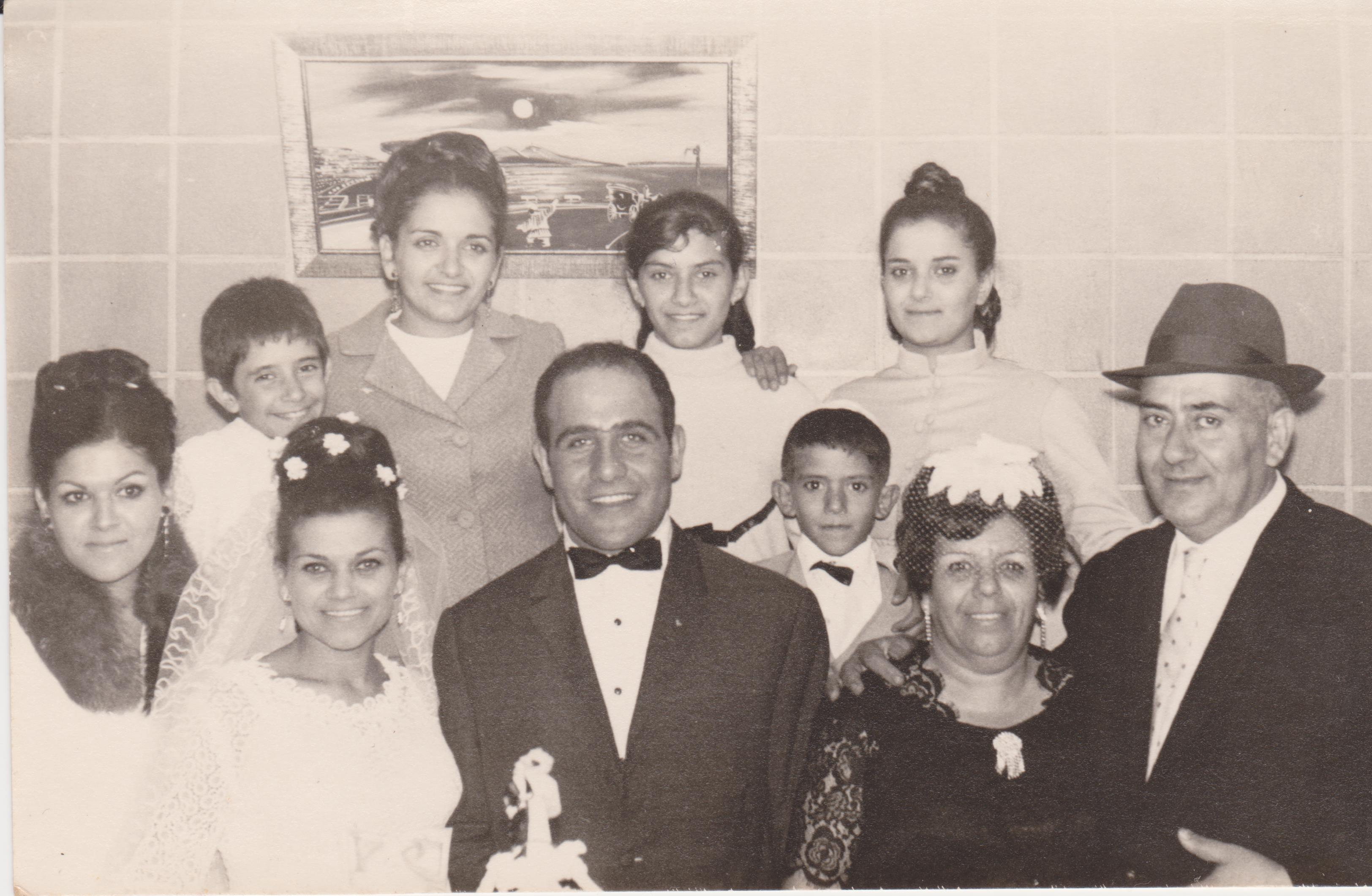 תמונת משפחה בחתונה