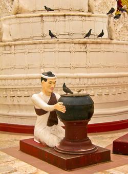 Statue and Birds, Shwedagon Pagoda, Yangon 2007