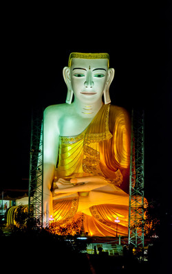 Sitting Buddha, Shwesandaw Pagoda, Pyay, Myanmar 2008