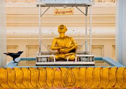 Buddha and Crow, Shwedagon Pagoda, Yangon 2010
