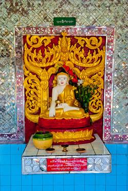 Buddha, Yangon 2008