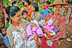 Twins, Inwa (Ava), Myanmar 2007