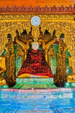 Buddha , Shwedagon Pagoda, Yangon 2009