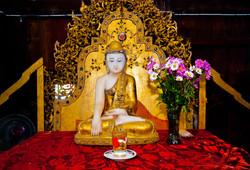 Buddha, Nga Hpe Kyaung (Jumping Cat Monastery), Inle Lake, Myanmar 2008