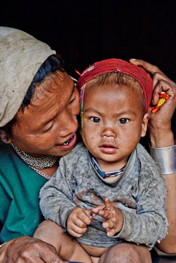 Lahu Shi Mother and Child, near Kyaing Taung, Myanmar 2008