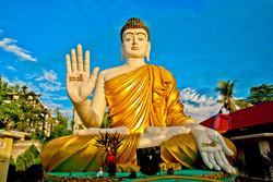 Seated Buddha, Chaung Wa Pagoda, Yangon 2008