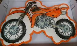 Motorcycle%20Cupcake%20Cake_edited
