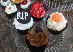Halloween%20Cupcakes%202_edited