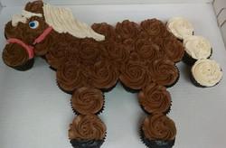 Horse%20Cupcake%20Cake_edited