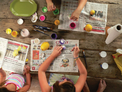 Kinderbetreuung: kreatives Basteln