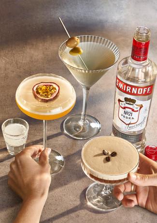 smirnoff martini family  dirty-RT04_TWO_HANDS copy.jpg