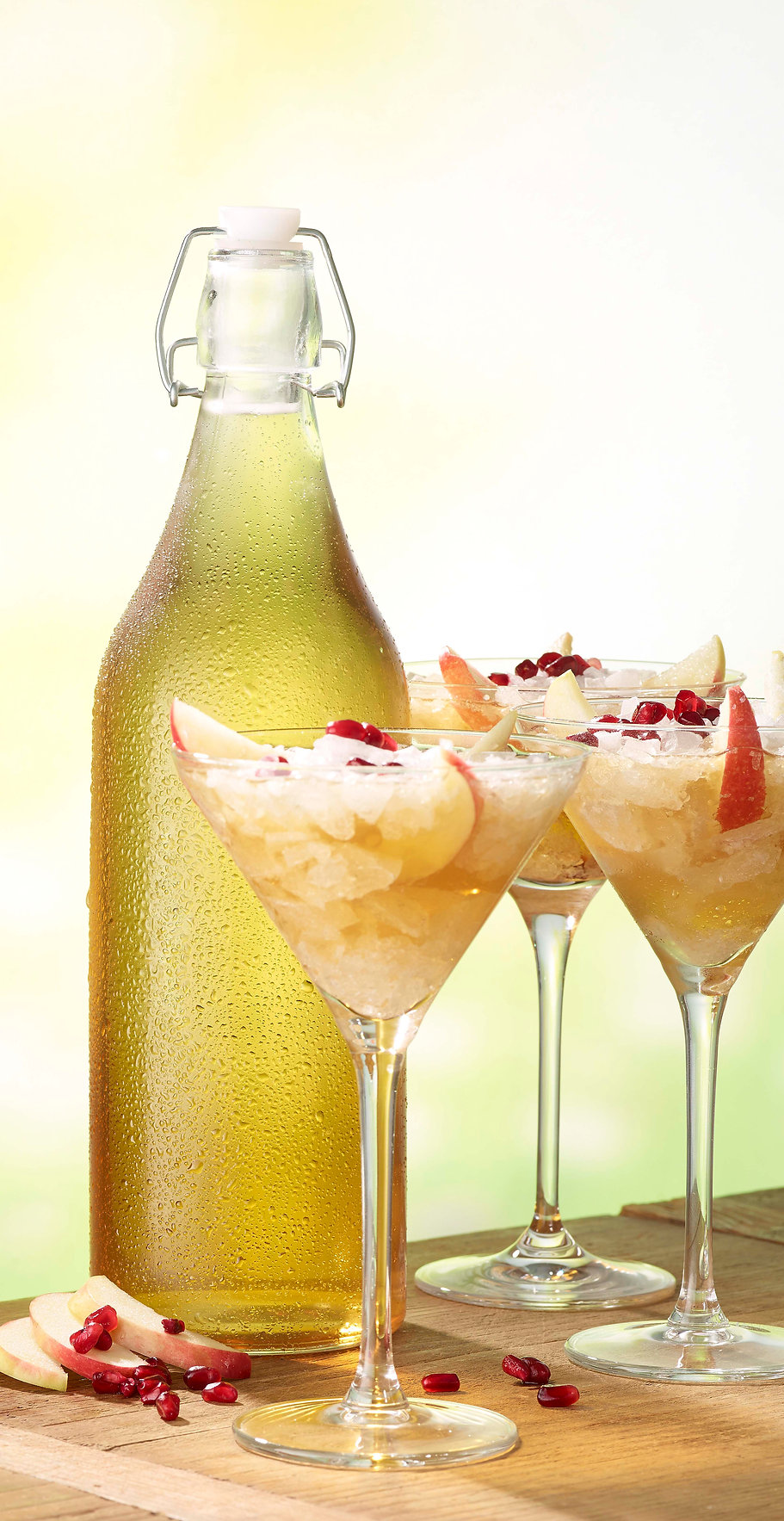 Drink photography of apple cocktails in a summer scene