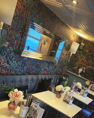 Cafe-11.JPG