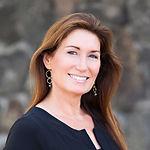 Donna Headshot.jpg