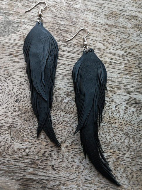 UPCYCLED FEATHER EARRING