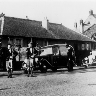 OLD FUNERAL PICTURE WITH ROLLS ROYCE.jpg