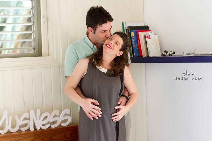 מיה ונס צילום הריון בבית