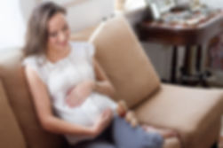 תמונות הריון באור חלון