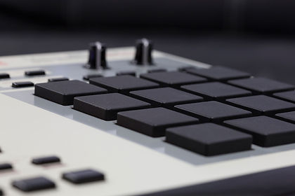 Akai_MPC_2000XL_Custom_Knobs.jpg