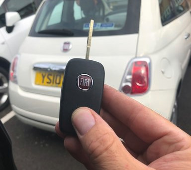 Auto Locksmith vs Dealership for Replacement Car Keys