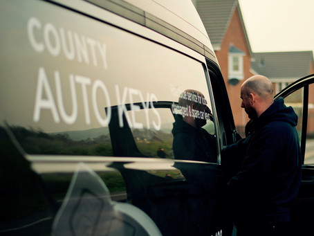 The Benefits of Hiring an Auto Locksmith