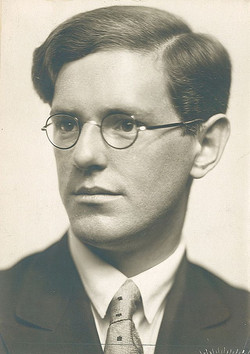 Pianist Robert Rifling